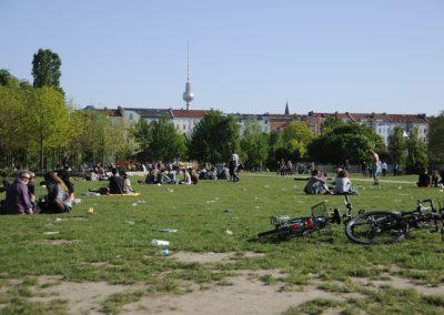 friedvolle-walpurgisnacht-im-mauerpark_5675168105_o