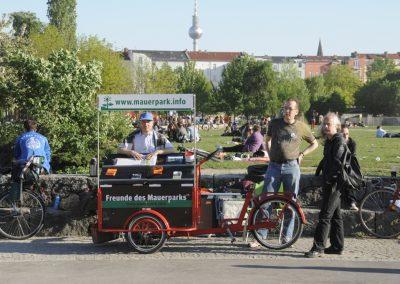 friedvolle-walpurgisnacht-im-mauerpark_5675173891_o