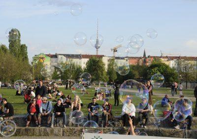 walpurgisnacht-im-mauerpark_6992376894_o