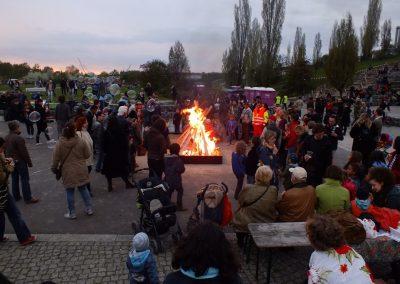 walpurgisnacht-im-mauerpark_8697537449_o